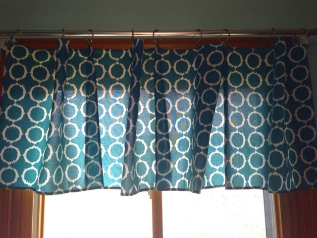 5 Min & $5 will get you a new No-Sew Curtain!