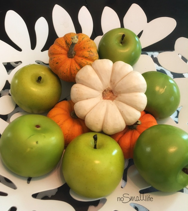 Apples & Pumpkins
